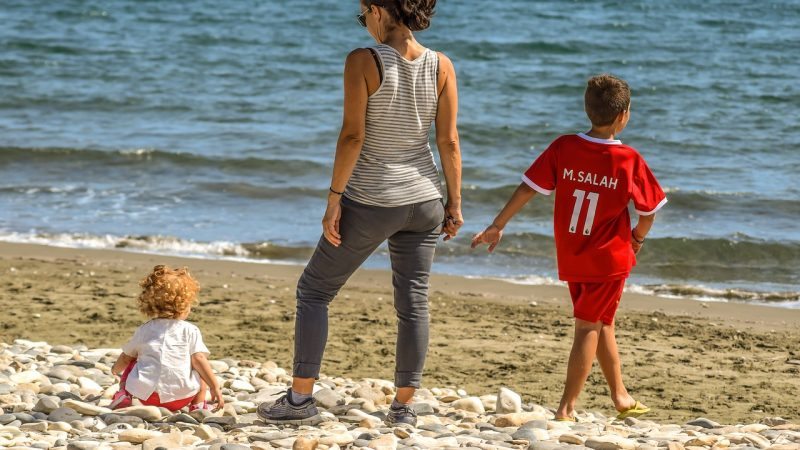 How to plan a fun beach holiday with kids