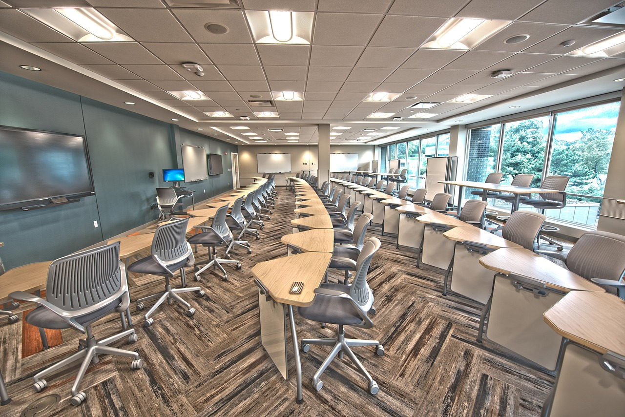 5 Reasons Why Multi-Use Classroom Furniture is a Boon to Schools