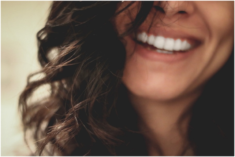Let your confidence shine thanks to a cosmetic dentist